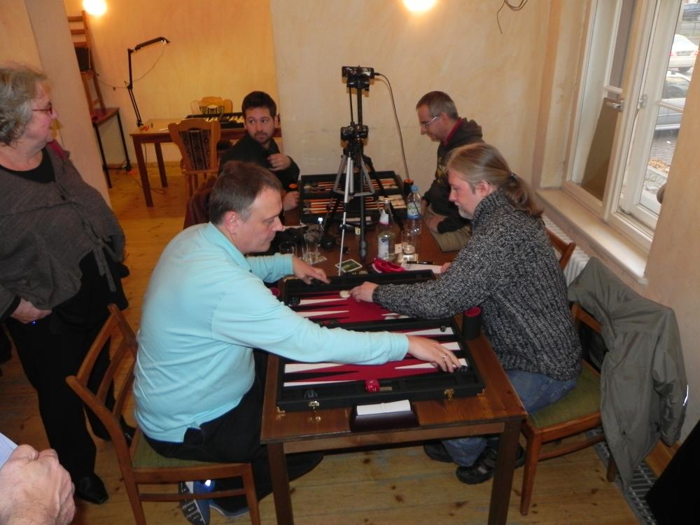 Erst mit Handbremse, dann mit Turbo: Igor K ist Berliner Backgammon-Meister 2013! (4/6)