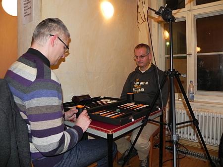 Schied in der Second Chance gegen Matthias (li) aus: Rodryk