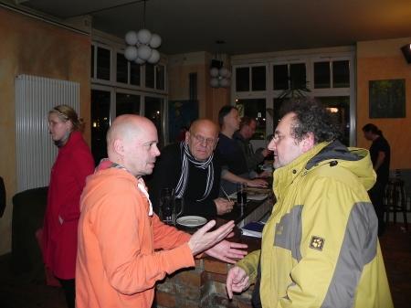 Diskussion am Abend: Rolf, Bernhard Ludwig, Hartmut (von li)