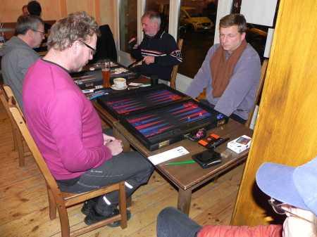 Finale der Second Chance - Thorsten (li) gegen Guido Weidner. Auch ohne Blick aufs Score Sheet kann man den Ausgang des Matches vorausahnen
