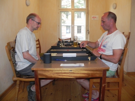 Ernst: Jerzy (re), Carsten