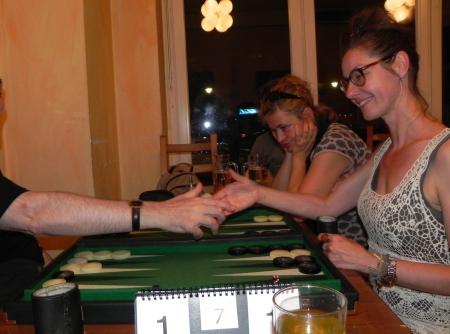 Finale der Second Chance: Igor K (ungezeigt), Denise Sekundenbruchteile vor dem Händedruck