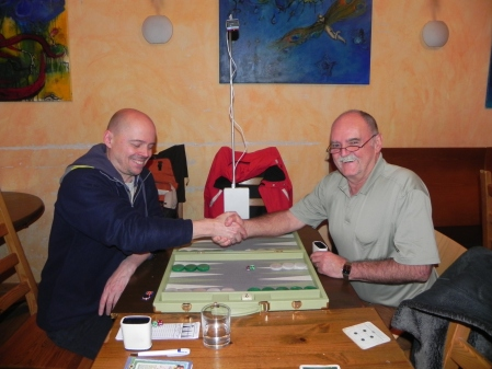Gleich beginnt das Match um den dritten Platz: Rolf Schüler (li) und Carlo Petkovsek