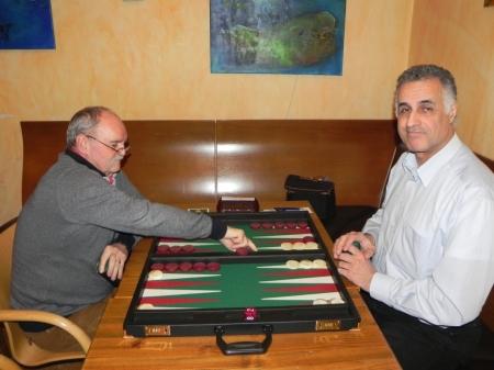 Kann einsetzen: Carlo Petkovsek (li) gegen Hamid Akbari