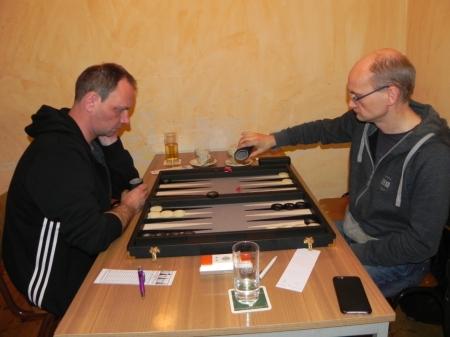 Halbfinale: Helmut Krausser (li) gegen Carsten Müncheberg
