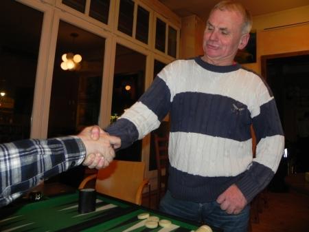 Händedruck vor dem Finale der Second Chance: IK (In Kognito) gegen Gerhard Zerbin