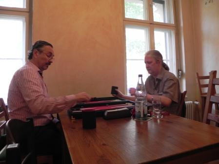 Schweres Los: Stefan Büchner (li) gegen den Ranglistenführenden Thomas Krüger