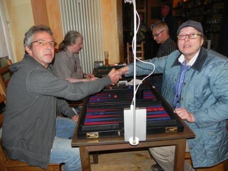 Händedruck vor dem Finale: Ralf (li) und Dieter