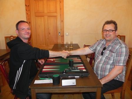 Vor dem Match um den 3. Platz: Helmut Krausser (li) und Vitali Olchanski