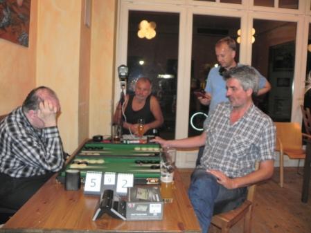 Im Finale: Igor K und Stefan Blancke. Matthias und Gerhard schauen zu