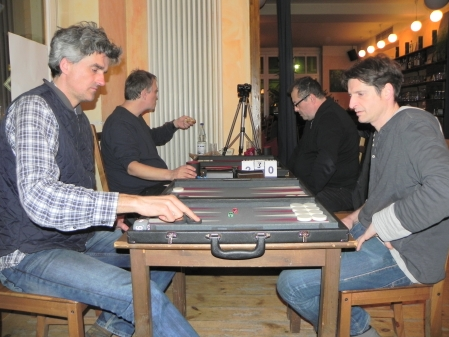 Stefan Blancke (li) und Matthäus Vigl, im Hintergrund Bernhard Kaiser (li) und Vitali