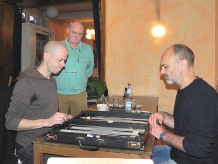 Steffen Schenk (li), Peter Naguib, Carlo schaut zu