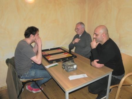 Matthäus Vigl (li) und der Erststarter Anatolii Iliouchin, Fakir Aslan schaut zu