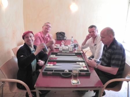 Noch mehr Spass im Beratungsdoppel: Heribert Lindenr (li vo) zusammen mit Richard Fiegen (li hi) und Stephan Hartmann (re vo) zusammen mit Georg Lachnit-Winter