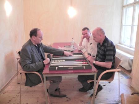 Allein gegen zwei im Beratungsdoppel: Ralf Jonas und Stephan Hartmann (re hi) mit Georg Lachnit-Winter
