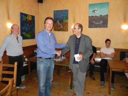 Beriet sich noch erfolgreicher selbst: Ralf Jonas, Erster des Beratungsdoppelturniers und damit Berliner Meister im Beratungsdoppel