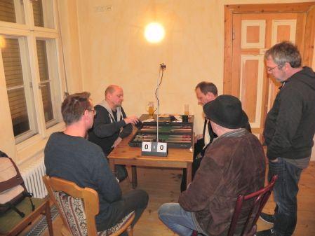 Finale: Rolf (li), Helmut und Kiebitze Michael Wolfgang Ralf