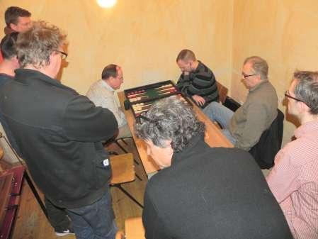 Dramatisches Halbfinalmatch: Ralf Jonas (li) und Paul Schlegel, Kiebitze