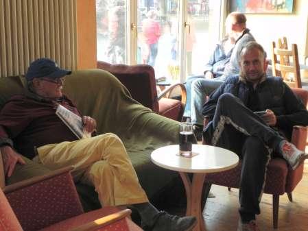 Ruhepause zwischen den Matches: Carlo Petkovsek (li), Tobias Hellwag