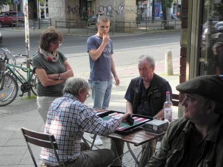Detlev Appel (re), Karli Baatz, Heike Münch schaut zu