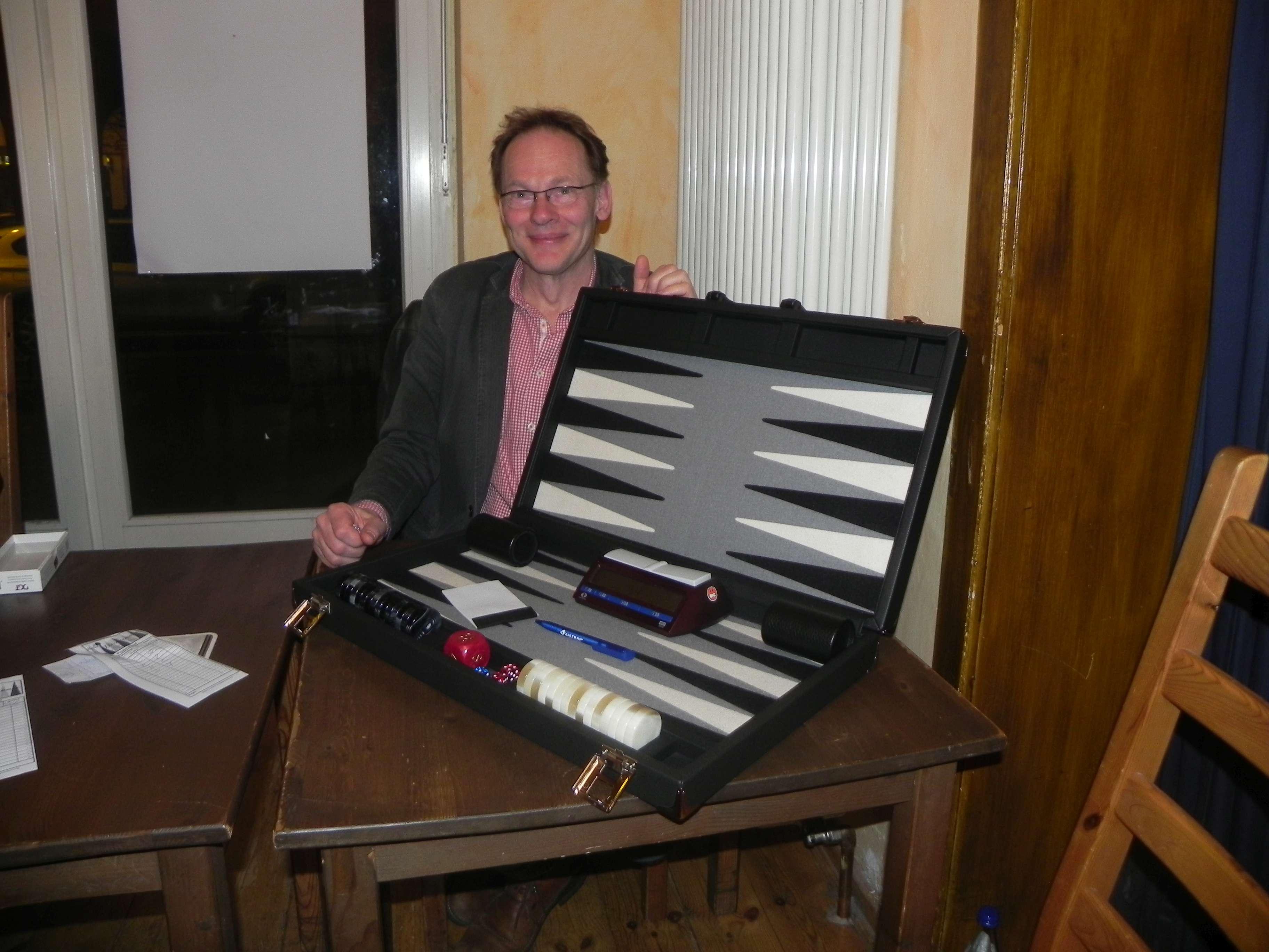 In Berlin gibt es viele schöne Bretter. Eins davon gehört dem Backgammonlehrer Thomas Frübing
