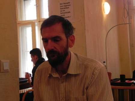Ernster Blick aufs Board: Alain Dekker