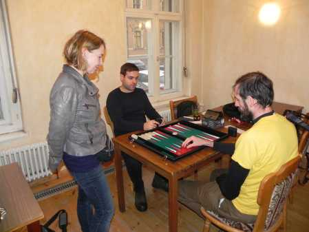 Faruk Kocaer (li), Alain Dekker. Sabine Brinkmann kiebitzt